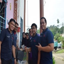 Feature Gotong Royong at Kg Berata