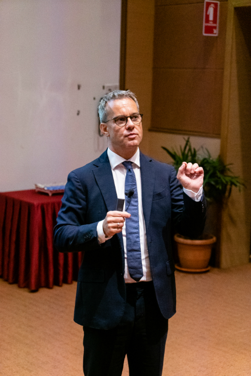 Professor Bärnighausen