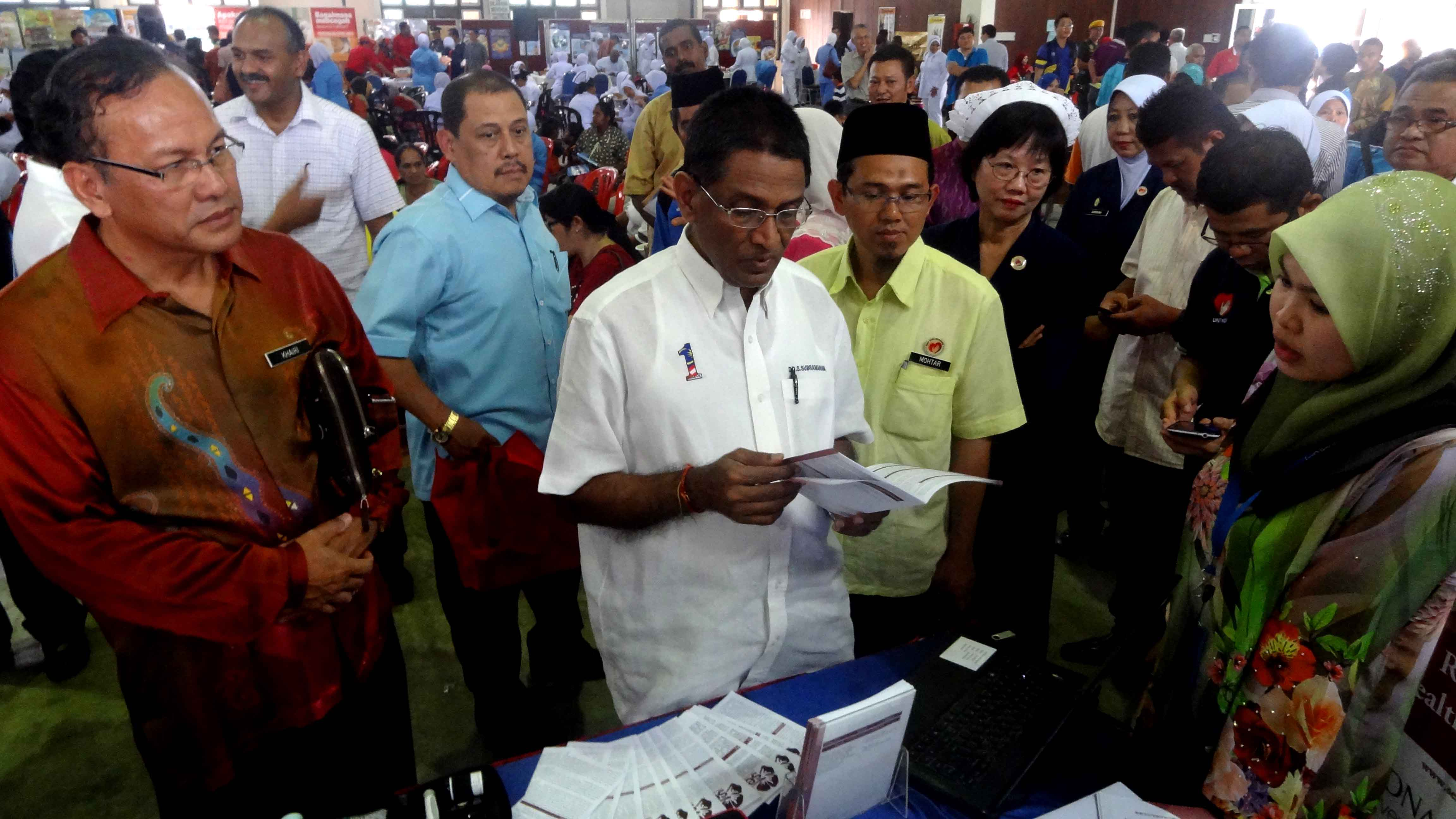 Minister of Health visited SEACO Booth