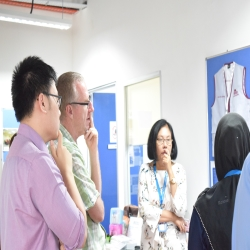 Feature Visitor from Monash University of Clayton.jpg