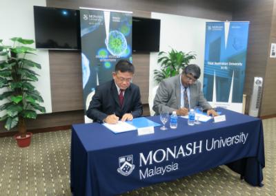 From left: Tan Tee Peng and Professor Mahendhiran Nair